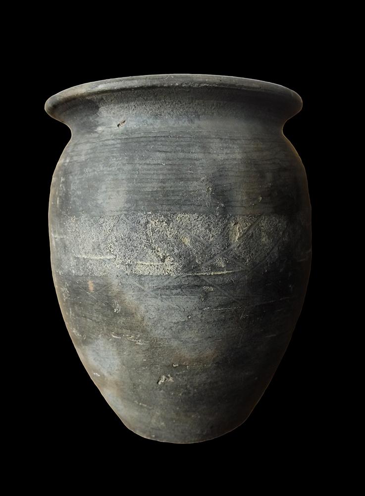 Black burnished ware pot