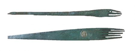 Roman eyebrow combs